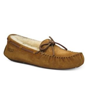Ugh Dakota Moccasin Slippers in Chestnut Size 5
